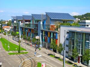 Solarschiff_Solarsiedlung_Freiburg_im_Breisgau_september_2014